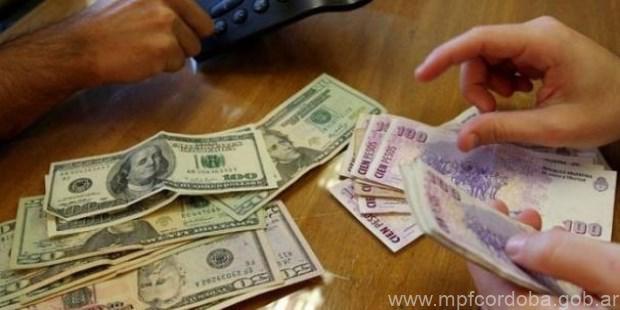 Secuestran Enterrados En El Fondo De Un Patio 70 Mil Dólares Y 100 Pesos Tres Imdos